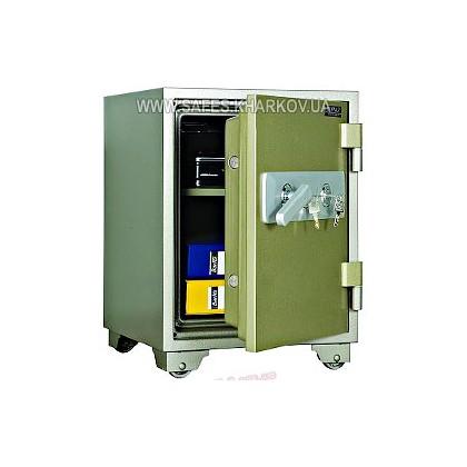 Огнестойкий сейф VALBERG FRS-67 KL